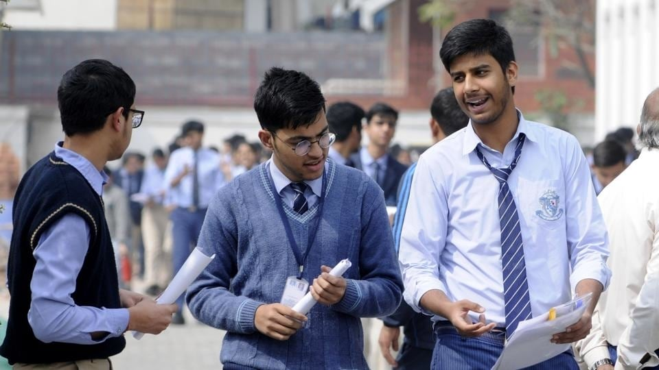CBSE Class 10 result 2021 date may well be revealed in a few days on official websites like cbseresults.nic.in and others. Representational photo. (Photo by Sunil Ghosh / Hindustan Times)