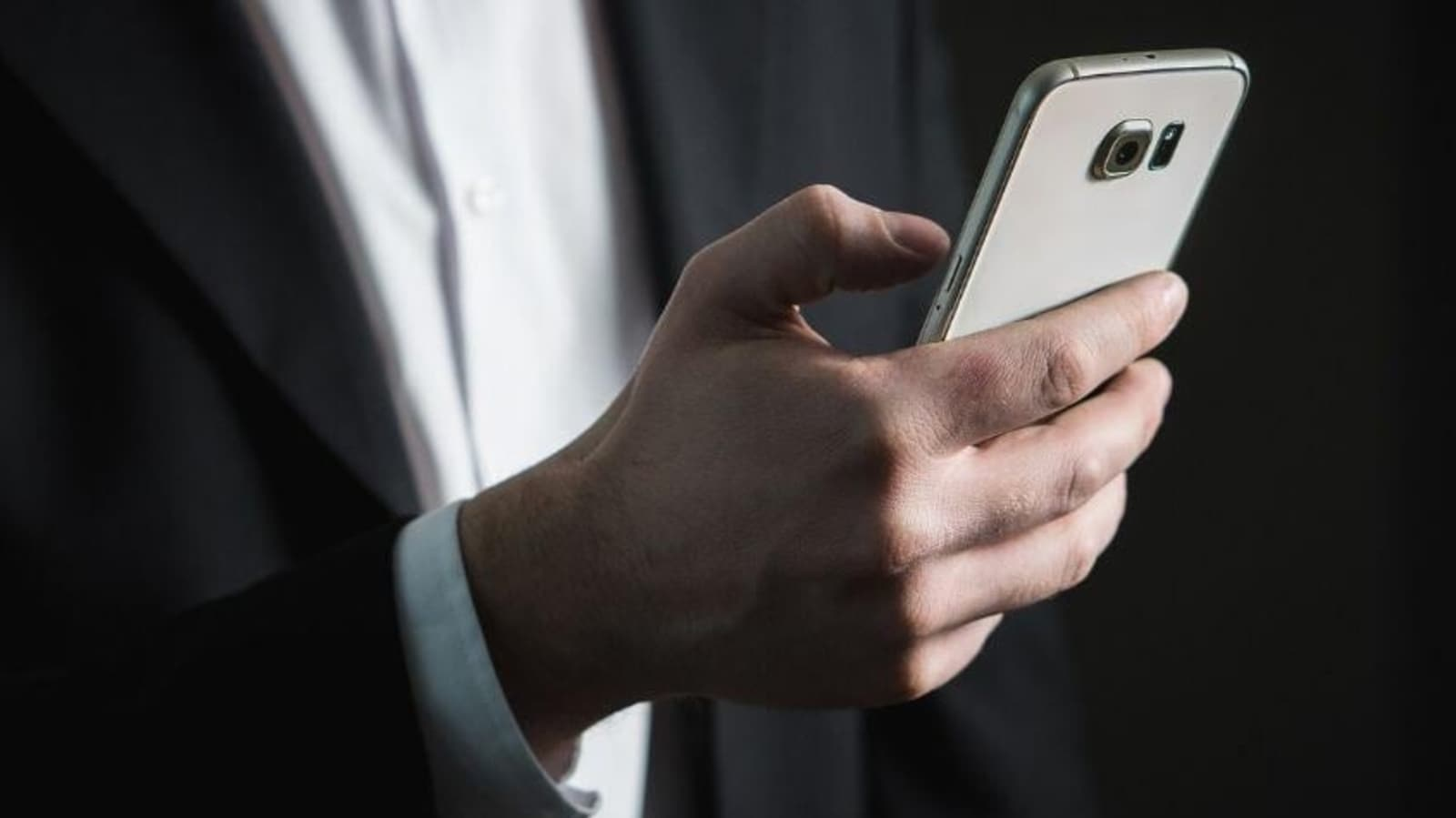 Is your phone infected with Pegasus spyware?  Here's a way to find out for free