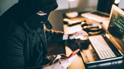 WhatsApp users are constantly being attacked by scamsters looking to steal their money and identities through phishing and other fraudulent methods..