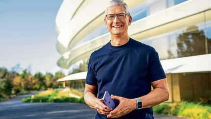 So far, we know Apple AR glasses are expected to use micro-LED displays from Sony, and come with an independent power supply and storage. Tim Cook is certain to preside over the launch of the Apple glasses.