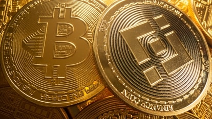 Cryptocurrency apps help you with quick access to various cryptos available in the market including Bitcoin, Ethereum and more.