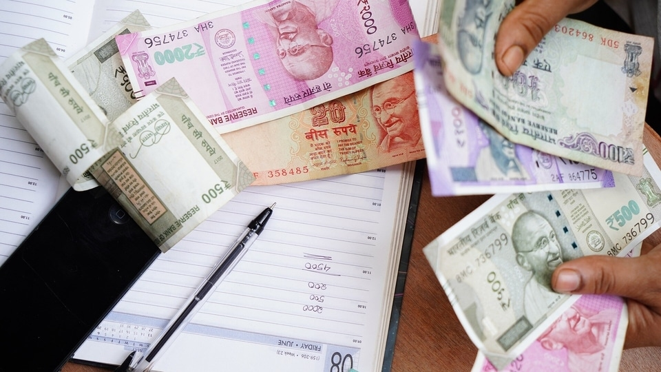 IT worker salaries: Jobs in the tech world are much in demand - a humongous 400% rise in demand for IT workers has been noticed and massive tech pay packages are being offered. Their services are much in demand and companies like Infosys, TCS and Wipro are hiring.