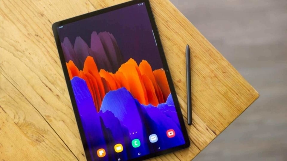 The Samsung Galaxy Tab S7 is getting a new One UI 3.1 update.