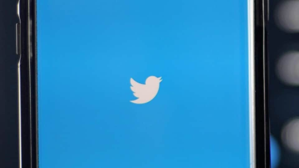 Twitter disappearing tweets: Company says that changes will keep your timeline fresh and keep Tweets from disappearing mid-read.