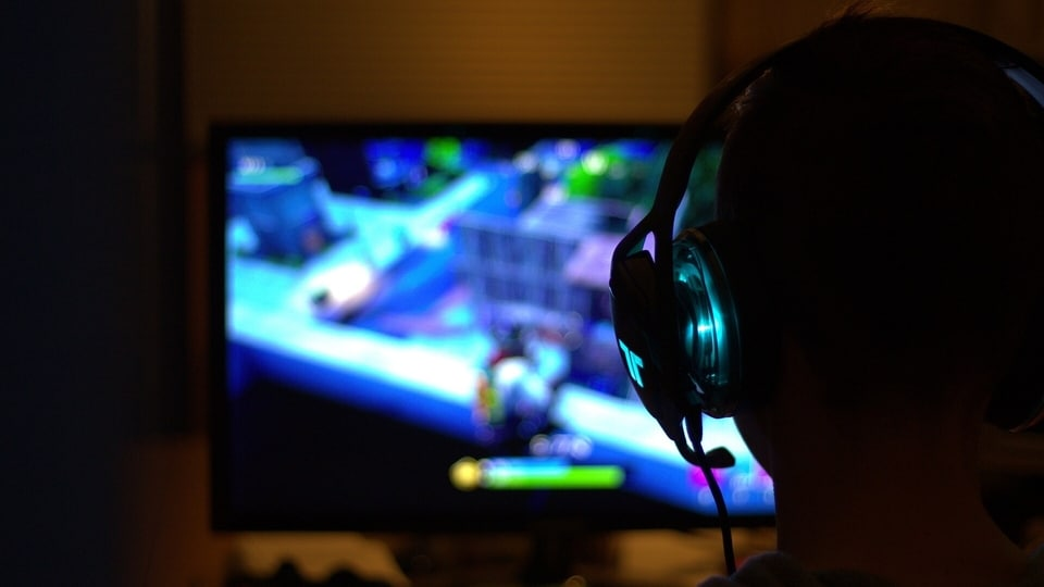 India currently has more than 400 online gaming startups and, as of 2020, had around 360 million gamers