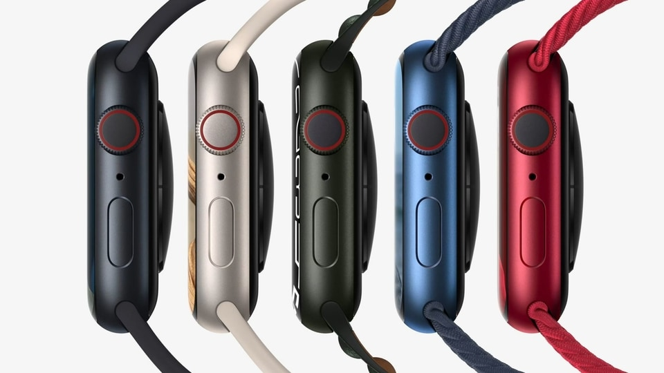 Apple Watch 7 is powered by watchOS 8 and it features an electrical heart sensor, ECG app and Blood Oxygen sensor.