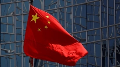 China's industry and information minister said that the blocking of rivals' links had been resolved, while uncloseable pop-ups had mostly been eliminated.