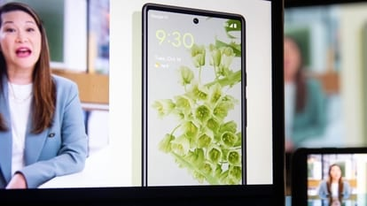 Pixel 6 vs iPhone 13: The Pixel 6 Pro smartphone is unveiled during the virtual Google Pixel Fall Launch event in New York, U.S., on Tuesday, Oct. 19, 2021. The new mobile devices feature an all-new design, with an in-display fingerprint sensor, Google's new Tensor SoC, and the Titan M2 security chip. Photographer: Michael Nagle/Bloomberg