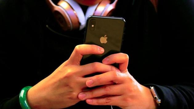 Will Apple allow TRAI's DND app on its iOS platform to avoid deactivation of its iPhones in India?