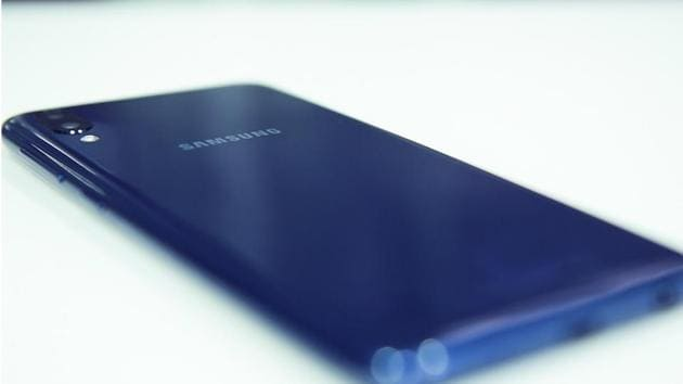 Samsung Galaxy M10 went on its first sale today.