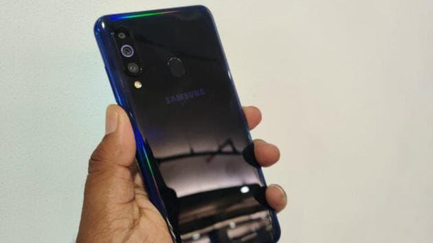 Samsung Galaxy M40 in 'Midnight Blue'.