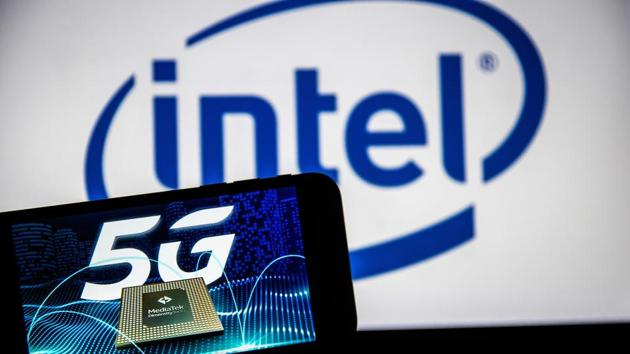Intel also announced two new processors (Intel Xeon Gold 6256 and 6250).