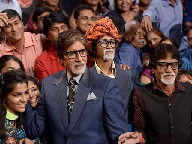 Amitabh Bachchan poses with lookalikes on the sets of KBC 8.