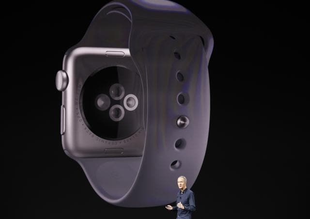 The Apple Watch comes with a slew of new features focused on fitness enthusiasts.