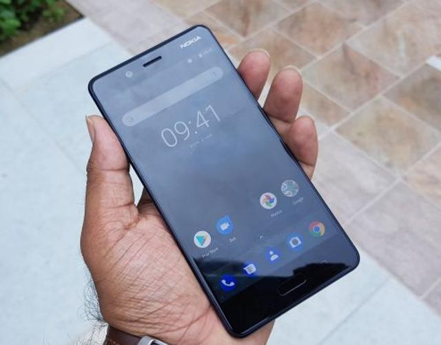 The Nokia 8 runs on pure Android.