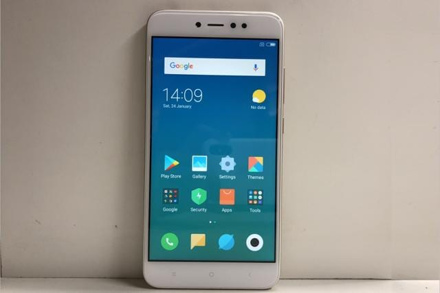 The Xiaomi Redmi Y1 looks a lot similar to the Mi A1.