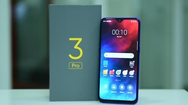 Realme 3 Pro comes with a dewdrop notch on the front.