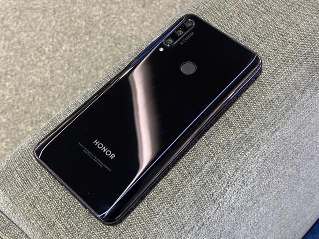 Honor 9X has a plastic back panel with glossy finish