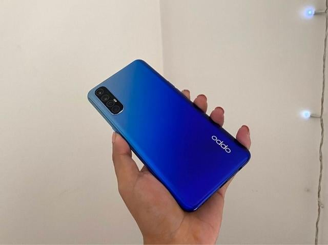 Oppo Reno 3 Pro features a 6.4-inch full HD+ AMOLED display with Gorilla Glass 5 protection.