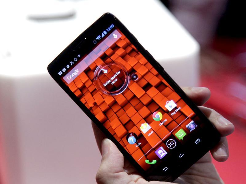 The Motorola Droid Ultra, offered by Verizon, is unveiled, in New York. The 5-inch smartphone has a Kevlar shell that makes it thinner and stronger and it is equipped with a dual-core X8 Mobile Computing System. Photo: AP/Mark Lennihan