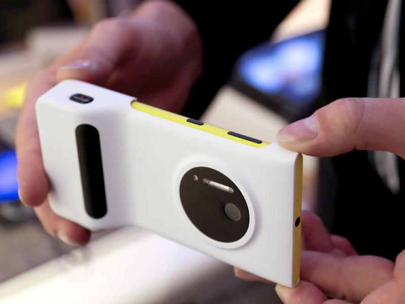 The new Nokia 1020 smartphone is on display at the Vodafone booth during the opening day of the IFA consumer electronics fair in Berlin. Photo: Reuters/Tobias Schwarz