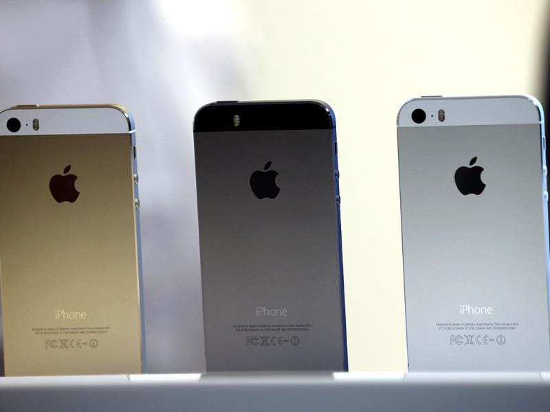 The new iPhone 5S displayed during the Apple product announcement at the Apple campus in Cupertino, California. (AFP Photo)