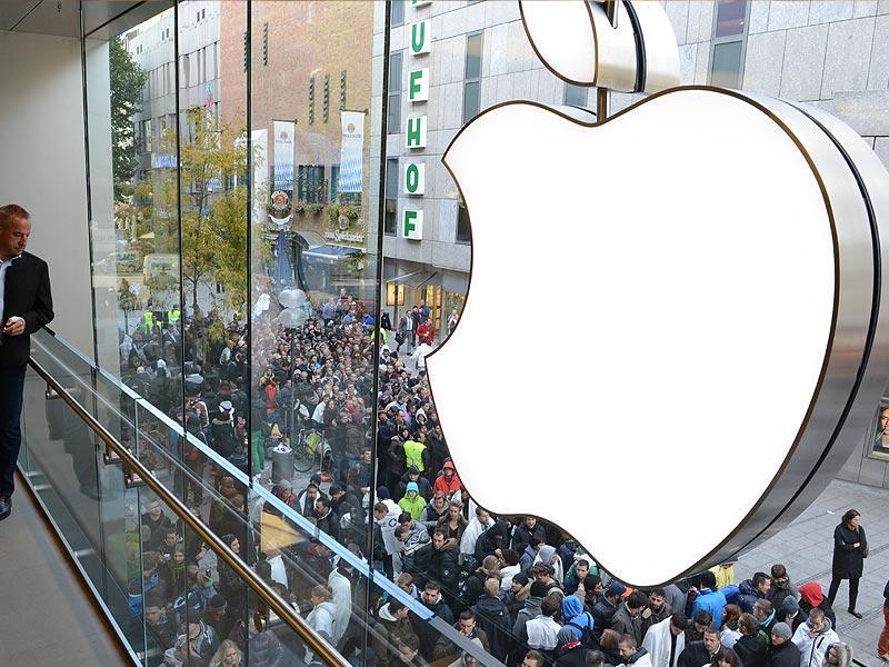 Apple-Logo-Photo-Reuters