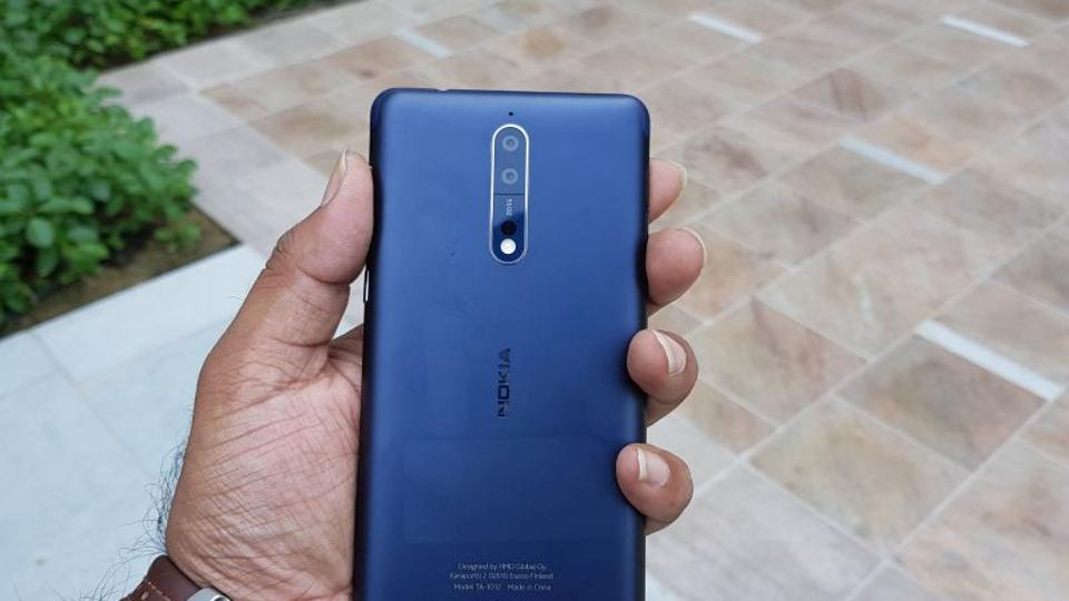 The Nokia 8 impresses us with its design.