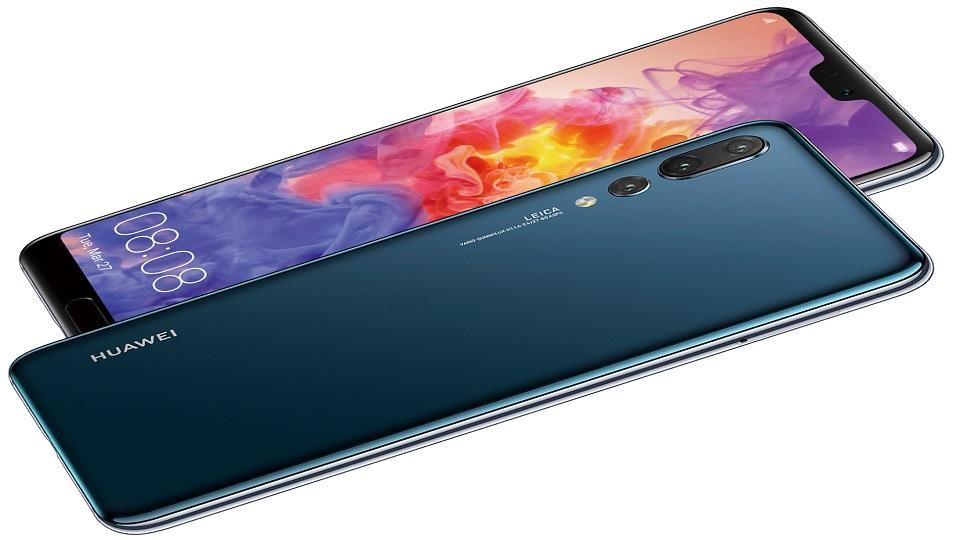 Huawei P20 Pro features a triple-camera setup at the rear.