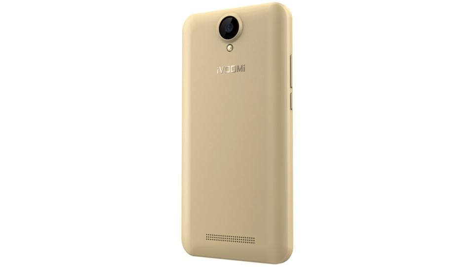 iVOOMi V5 sports a 5-megapixel rear camera with LED flash and a 5-megapixel front camera.
