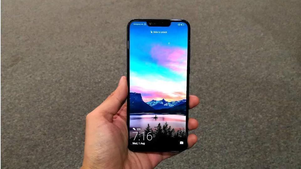 Honor Play goes on sale in India today at 4PM.