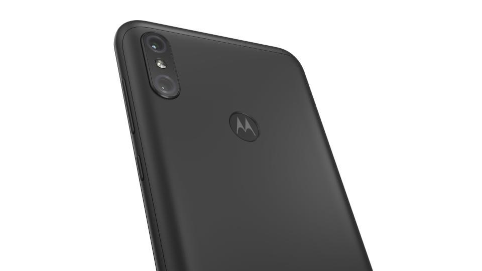 Motorola One Power has dual rear cameras featuring 16-megapixel and 5-megapixel sensors.