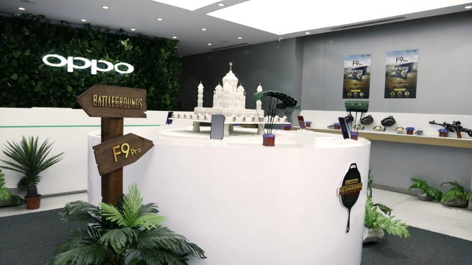 Oppo revamped its brand showroom with PUBG theme.
