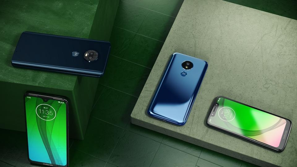 Moto G7 series features a refreshed design with a dewdrop-styled notch.