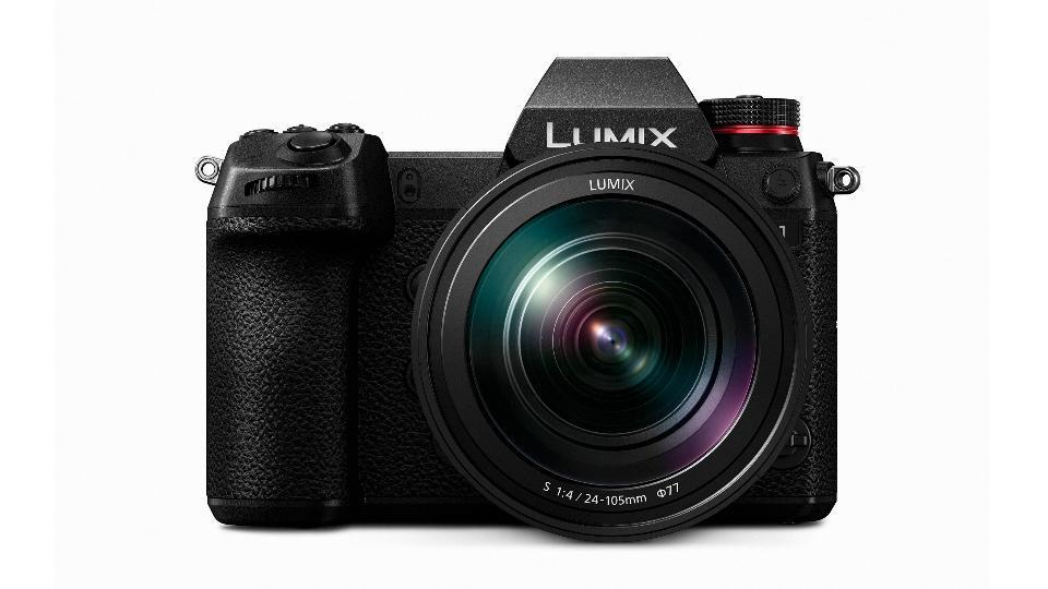 Pansonic Lumix S1 mirrorless cameras.