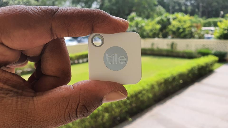 A closer look at competing Tile Bluetooth tracking device