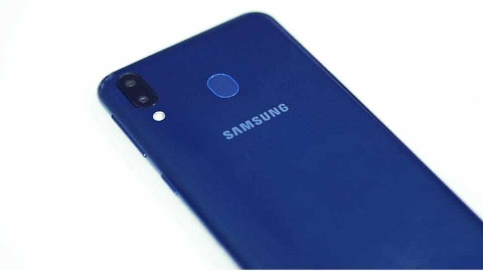 Samsung Galaxy M30 offers a 5,000mAh battery.