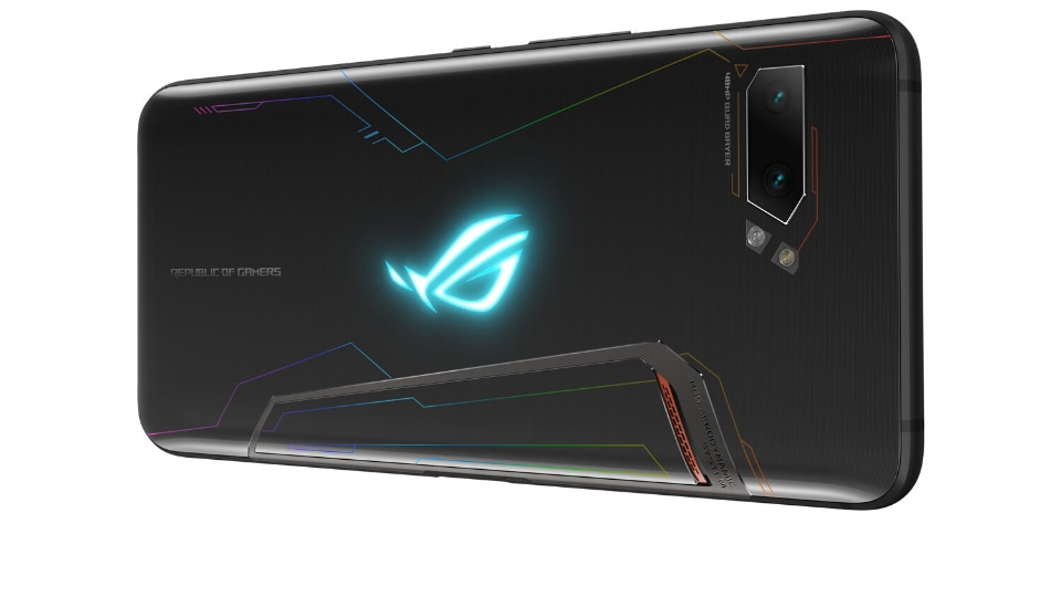 The ROGPhone II can be bought online from December 11 and ships with the Aero Active Cooler II along with other accessories