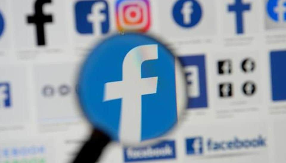 Not just online shopping, Facebook is also able to track what customers buy in stores and target those customers with ads. REUTERS/Johanna Geron/Illustration/File Photo